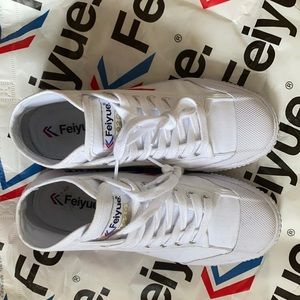 Feiyue white, women's size 7 high rise sneaker